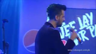 Old melody songs at pepsi event 2017 by Atif aslam(Best live performance by atif aslam)