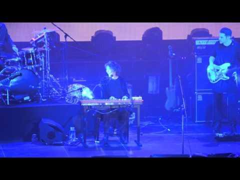 Песня Хочешь (Live Омск,04.02.2016) - Земфира скачать mp3 и слушать онлайн