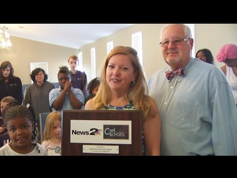 Riverpointe Christian Academy receives the News 2 Cool School award