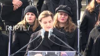Serbia: Protesters shout