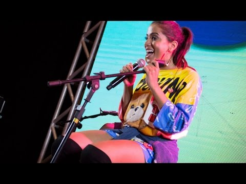Happy Hour com Anitta em Brasilia na Clube FM 04/03/2016