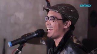 Ezad Lazim (Exists) | Hati Mati Versi Akustik (Sesi Live KKBOX)