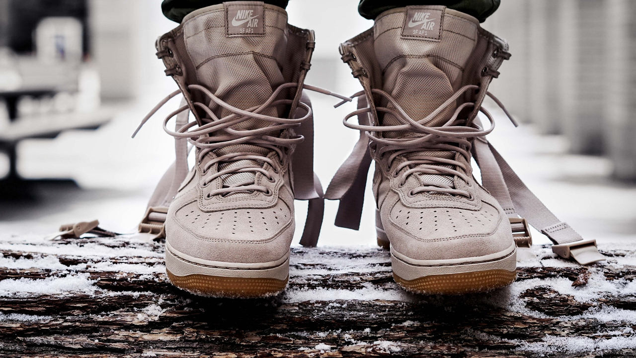 new arrival 651e9 badd3 ARMY HYPEBEAST NIKE SPECIAL FIELD AIR FORCE 1 STRING ON FEET REVIEW (SF AF1)