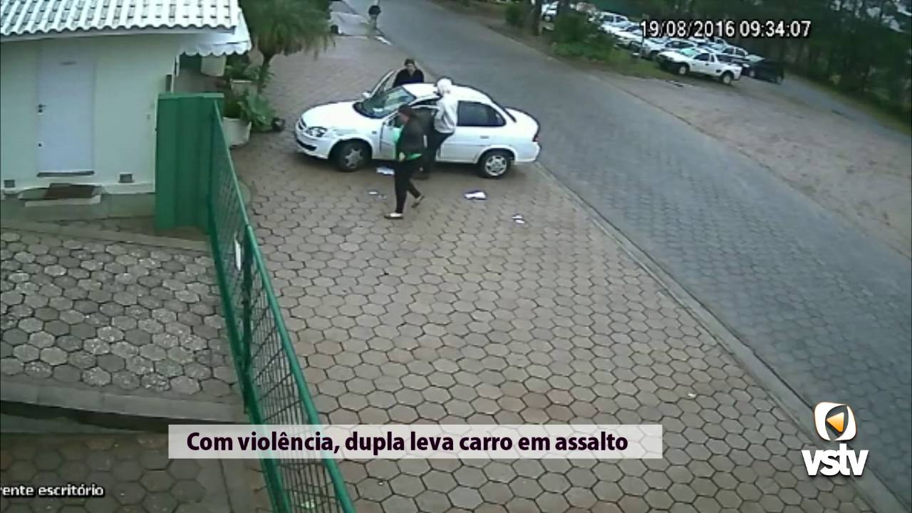 4c7cfbe174 Vídeo mostra jovens assaltando motorista e fugindo com carro - Vipsocial |  Rádio, Jornal e TV na internet