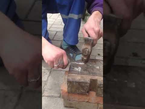 Тест готового клинка на гвоздь. Метал Х 12 МФ. Процесс работы. Украина.