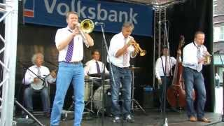 "Huub Janssen Tribut Jazzband plays ""That"