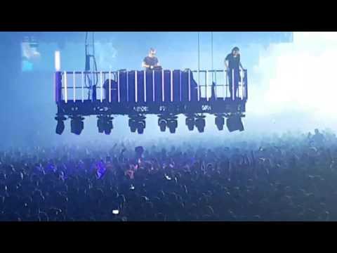 Dimitri Vegas & Like Mike: Bringing the Madness - Antwerp 16.12.16 - Game of Thrones & retro set