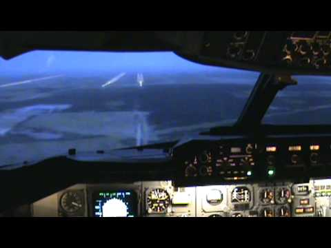 Airbus A300-600 Memphis Storm Landing