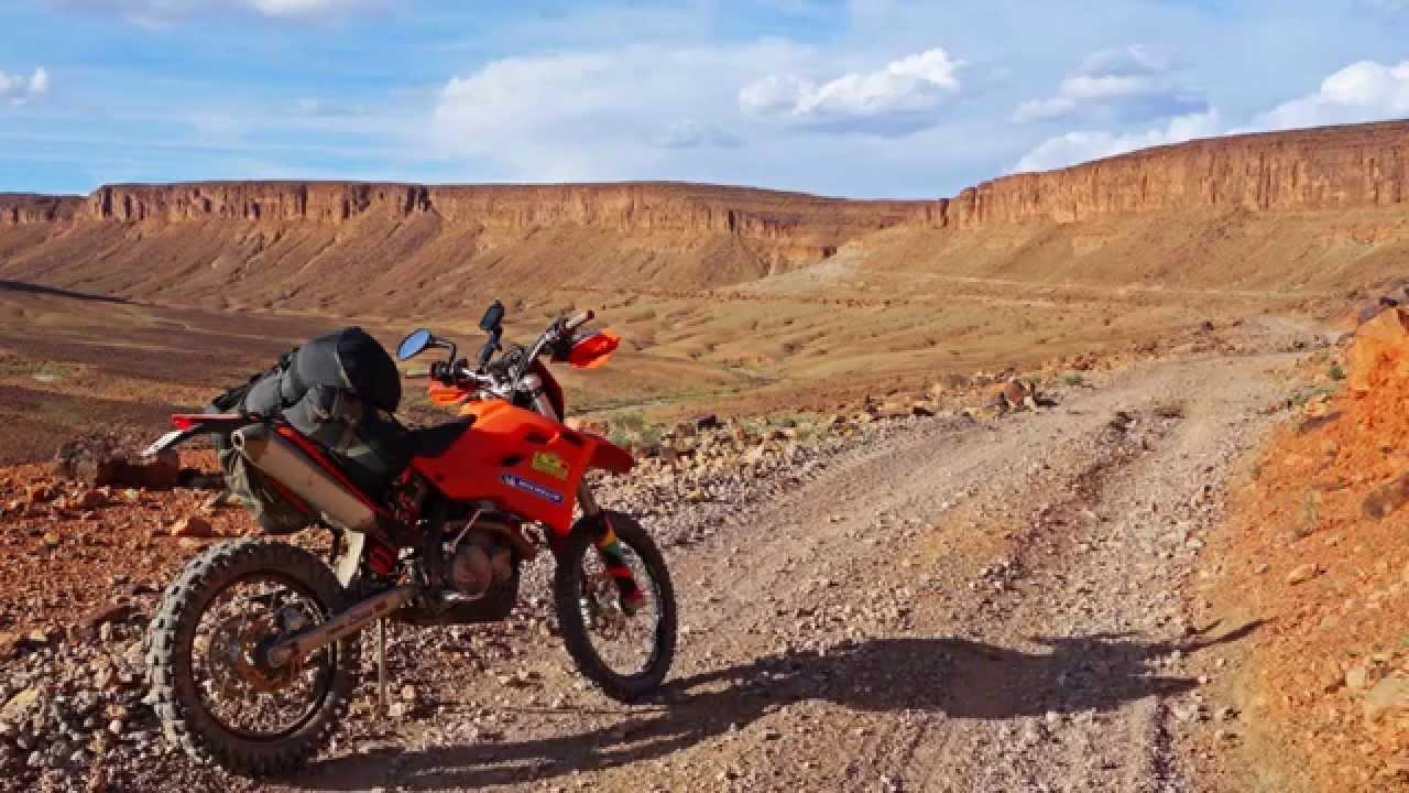 raid maroc 3 motos ktm 450 exc la d couverte des pistes du maroc youtube. Black Bedroom Furniture Sets. Home Design Ideas