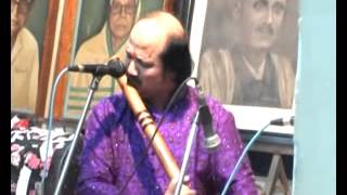 The Great Flute Musician Player Pt. Ronu Majumdar Ji Performing in Bhatkhande Sangeet Mahavidyalay