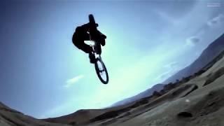 Красивое видео  Захватывающий фрирайд на горных велосипедах