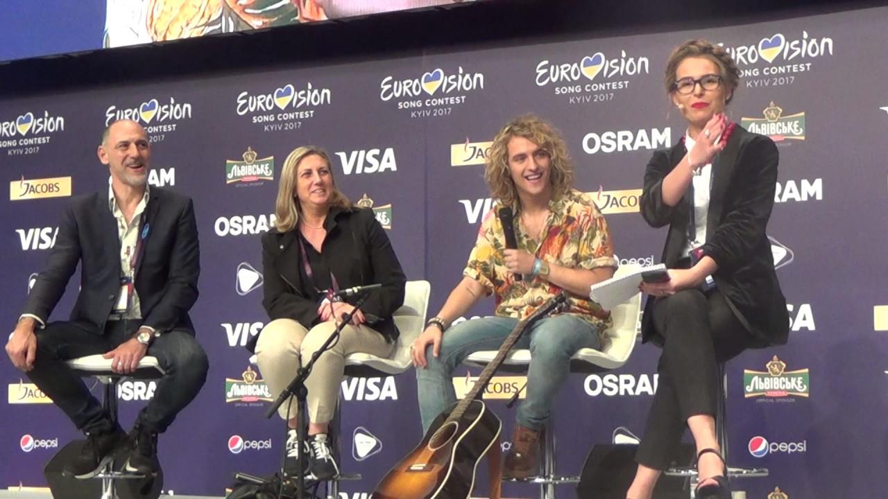Esckaz In Kyiv Meet And Greet From Spain Manel Navarro Youtube