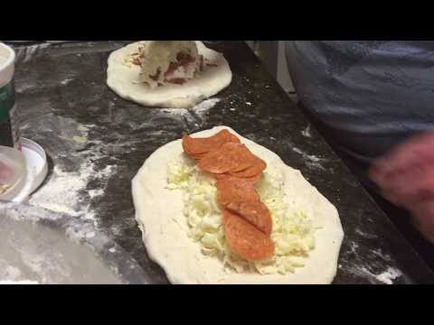 Calzone VS Stromboli