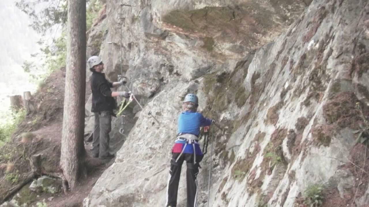 Klettersteig Huterlaner : Huterlaner klettersteig zimmereben youtube
