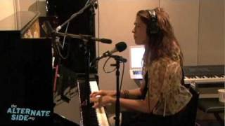 "Imogen Heap - ""First Train Home"" (Live at WFUV)"