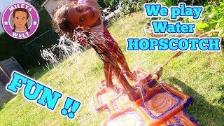 Riesen WASSERSPASS HOPSCOTCH - wir spielen Tempelhüpfen Hüpfspiel | Mileys Welt
