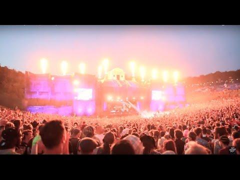 Fat Freddy's Drop Roady Live at Boomtown Fair, UK