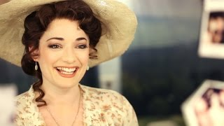 Character Study: FINDING NEVERLAND's Laura Michelle Kelly Gets Ready Backstage