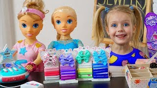 Margo playing Frozen Elsa Doll & Jewelry Shop Toys