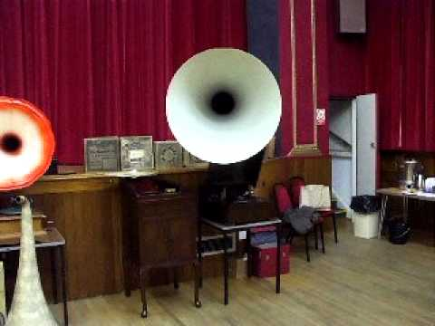 "Gramophone tests no 25, The EMG Mk xb Plays ""Divinities Du Styx"" Marie Jeritiza"