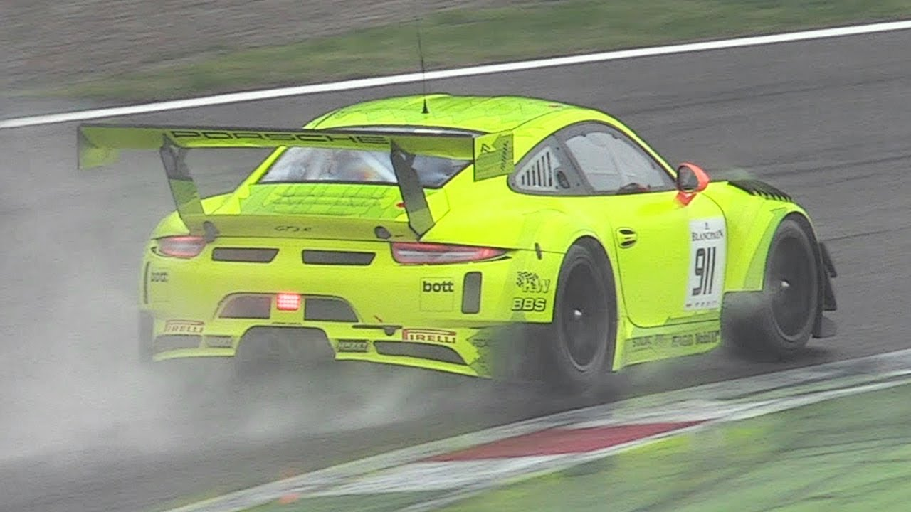 Porsche   Gt R Lovely Flat  Sound Accelerations Fly Bys On Wet Track