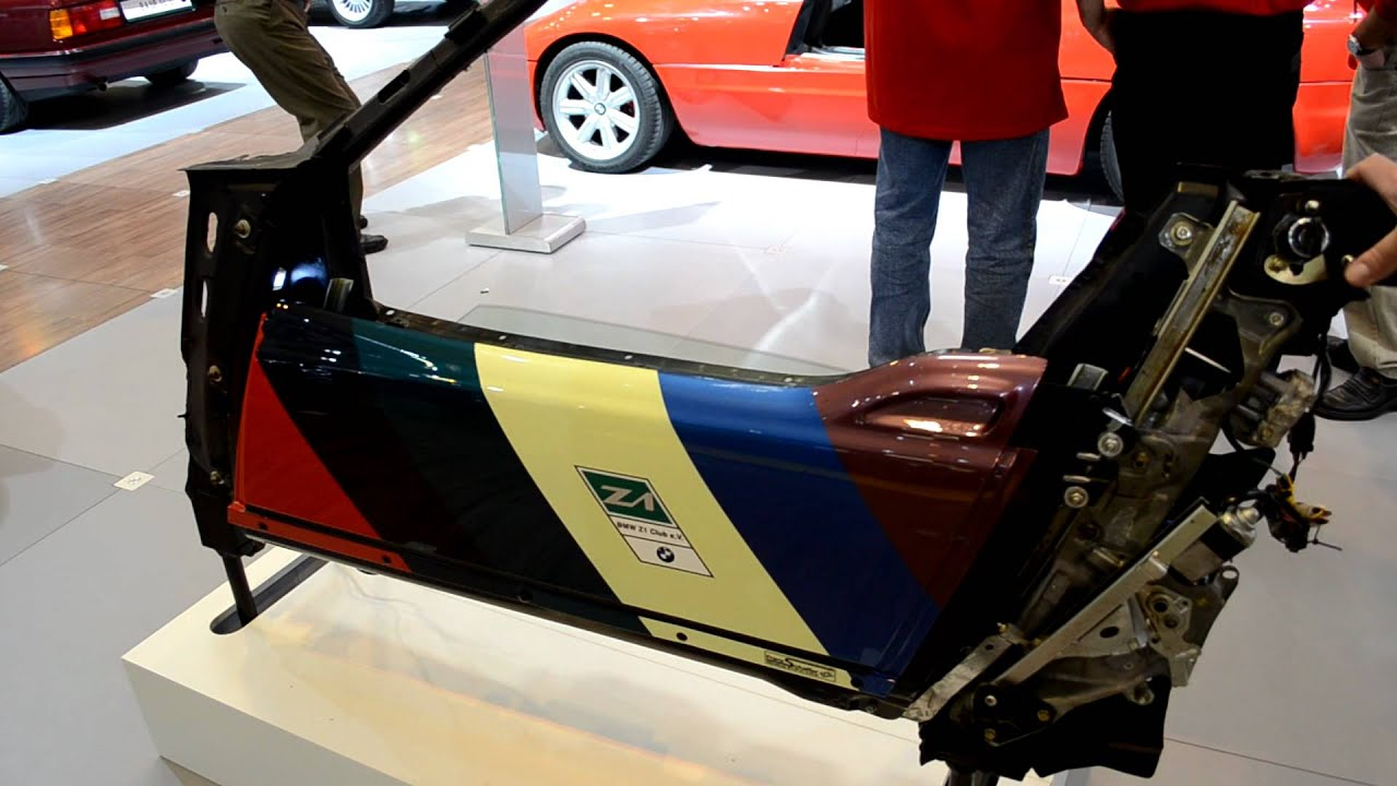 Bmw Z1 How The Doors Go Up Down Into The Car S Body