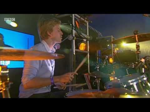 Alan Pownall - Don't You Know Me  (BBC Radio 1's Big Weekend 2010)
