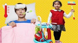 엄마 내가 도와줄께!! 서은이의 아픈 엄마 돌보기 청소하기 Seoeun Pretend Play Nurse for Mommy