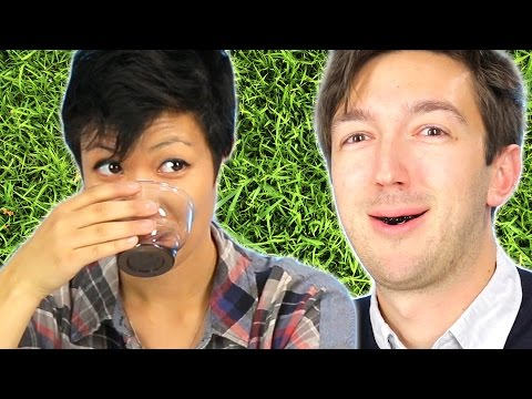 People Try Grass Jelly Drink For The First Time