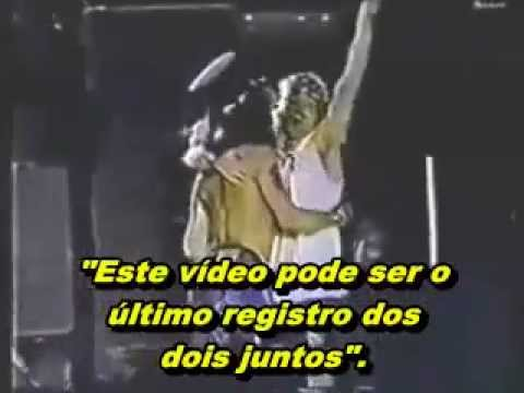 Abraço de despedida entre Axl Rose e Slash (last embrace) GUNS N' ROSES