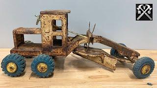 Rusty Grader Restoration - Restoring a Forgotten Treasure