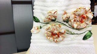 Bordado de rosas feitas com barrados de lese