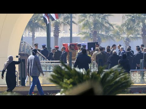 نقل جثمان الرئيس المصري الأسبق حسني مبارك استعداداً لتشييع جنازته…  - نشر قبل 3 ساعة