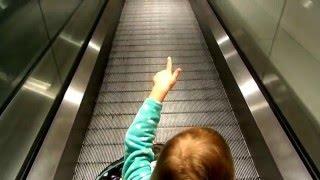 VLOG: катаемся в торговом центре!