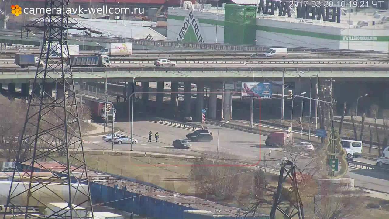 Авария около развязки на пересечении Дзержинского и Новорязанского шоссе, 30.03.2017