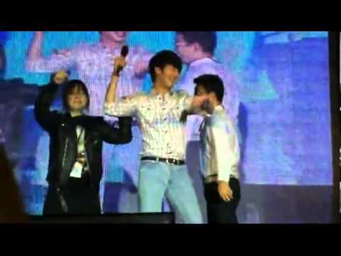 [121208] Jung Ilwoo dances Gangnam style in Taiwan FM