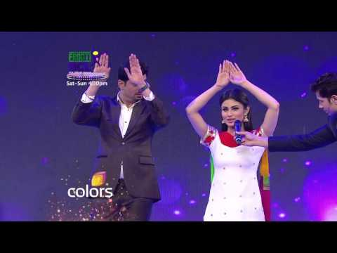 Mouni Roy teaches Pritam Singh the Nagin dance