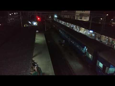 Veraval - Trivandrum Express Arriving at Thrissur with Clear Announcements || Night View