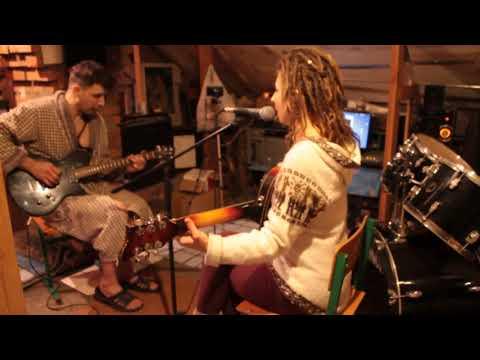 Post Travel Blues (Belfast Blues) in Am feat. John Morozov