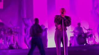 ROBYN // Between the Lines (Live @ Paris) 09.04.19