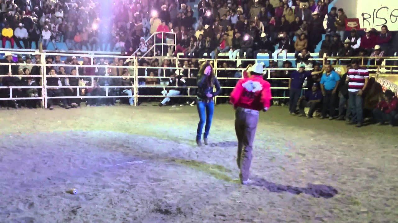 Chavita bailando