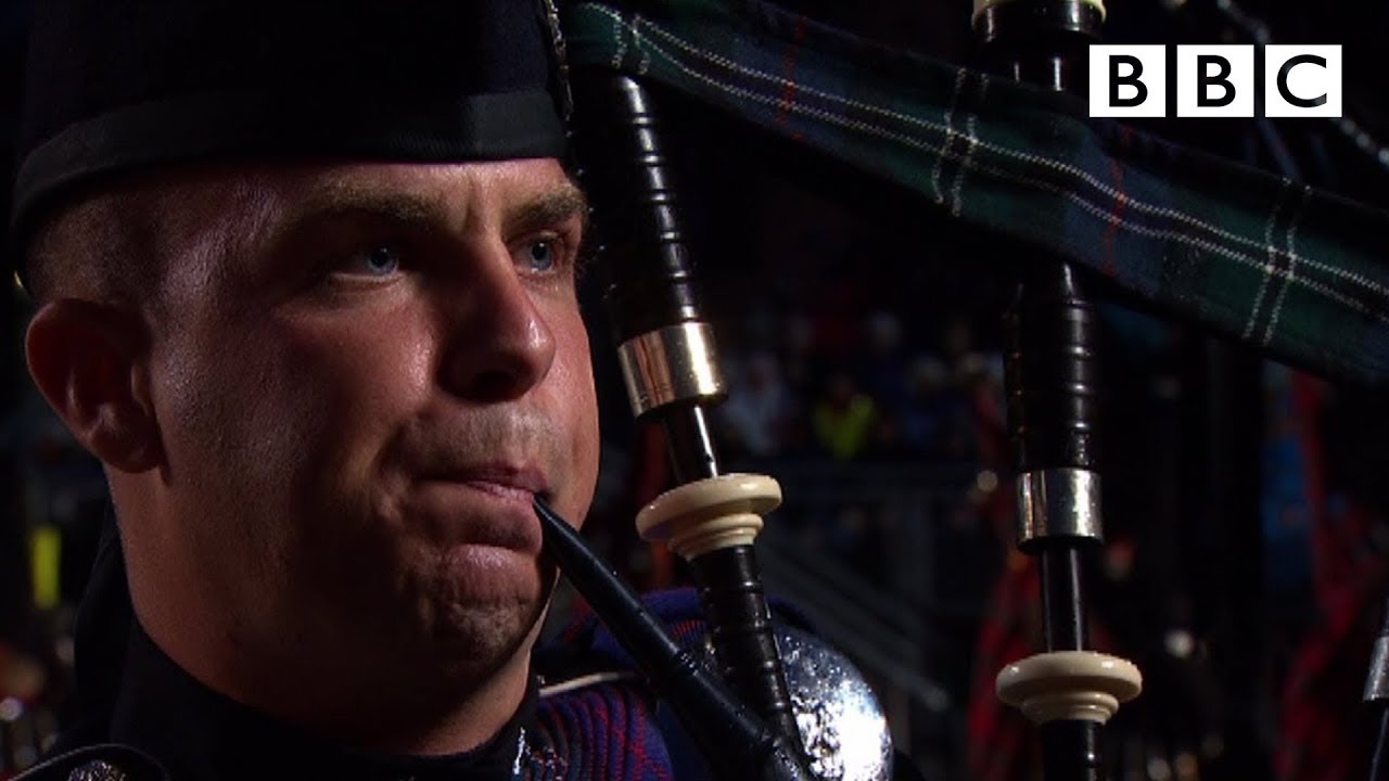 Download The Massed Pipes and Drums   Edinburgh Military Tattoo - BBC