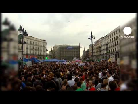Spanish protest turns into sit-in in Madrid Square