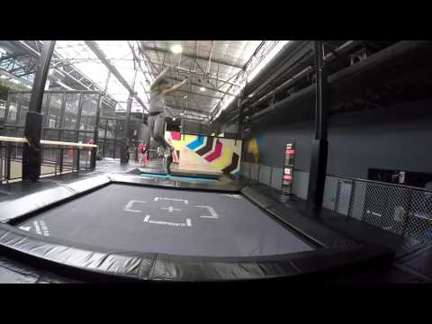 BOUNCE inc Thailand : Tricks and Wall Runners