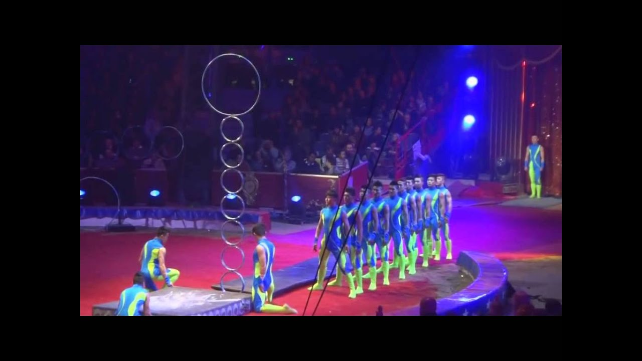 Chinese Acrobat Highest Jump World Record