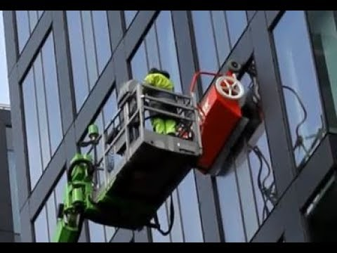 hyCLEANER® red EVO I  - Window and façade cleaning in Stockholm