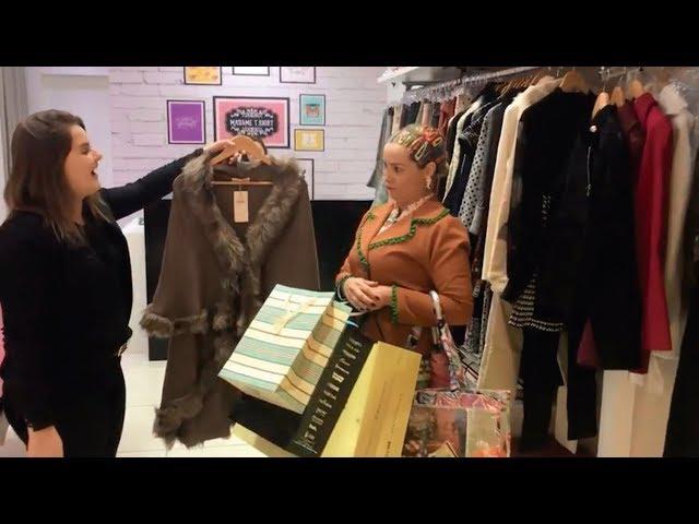Dona Maricotinha fazendo compras em até 8x