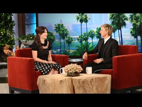 Ellen and Zooey Deschanel Play Epic or Fail