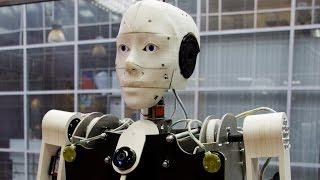 Робот художник рисует портрет!(Вашему вниманию предлагаются роботы-андроиды! Роботы работают вместе и совместно ведут дело! Наблюдаем..., 2016-02-08T18:24:12.000Z)
