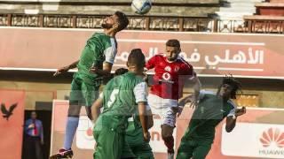 بالفيديو  الأهلي يكتسح العبور بخماسية.. وتألق صالح وميدو جابر